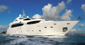yacht che affonda